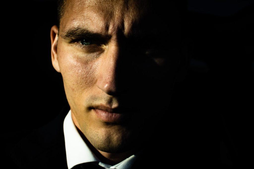 職場の既婚者男性が独身女性と体の関係を持ったその後の男性心理