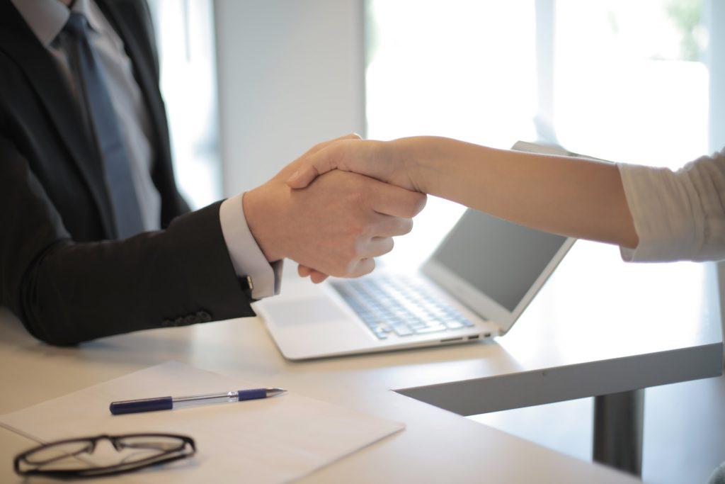 女性をからかう職場既婚者男性への上手な対処法
