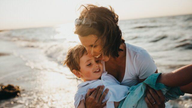 【不安を一掃】シングルマザーと付き合う5つの男性心理と彼を落とす5つの秘訣!