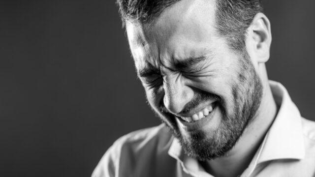 【未練120%】既婚男性が別れて後悔する7つの瞬間と男性心理!後悔する男の特徴や別れ方とは?